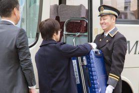 【アルバイト】ホテル送迎バスのポーター/京都駅でお客様の荷物を積み下ろしするお仕事です