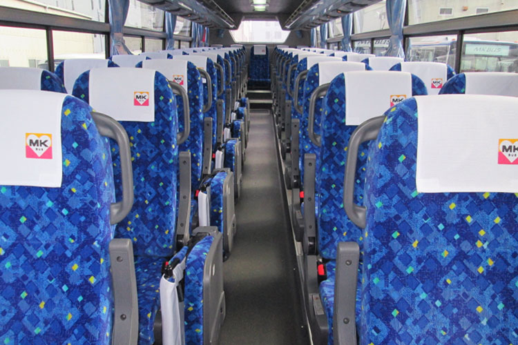 60名乗り(正席49+補助席11)