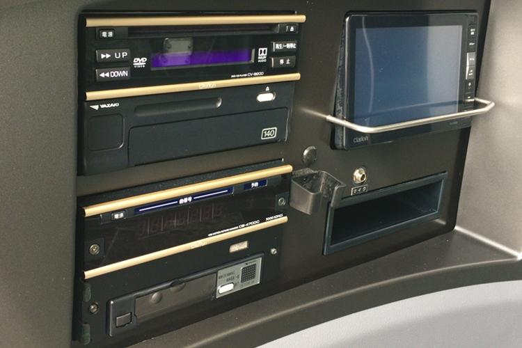 HDDカラオケ搭載、DVD・ラジオ搭載。